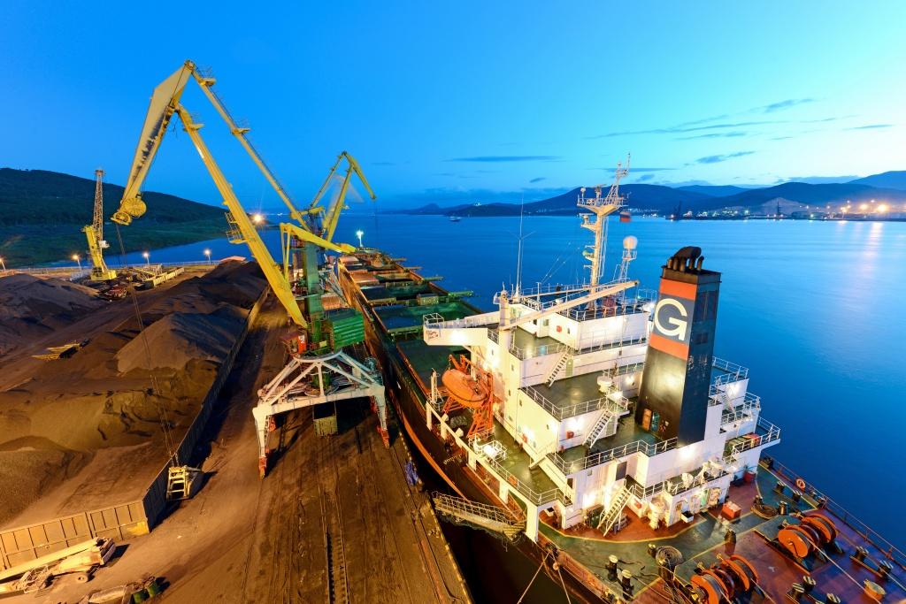 Trung Quốc bất ngờ cấm nhập khẩu Than Úc trong nhiều đồn đoán