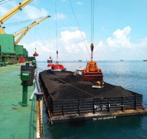 Vận chuyển, lưu trữ than nhập khẩu tại các cụm cảng, kho bãi