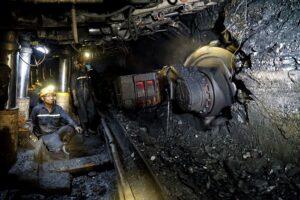 Sản xuất than công nghiệp với công nghệ khai thác than hầm lò