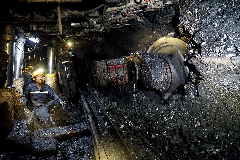 Các công ty than giải quyết bài toán thiếu hụt thợ lò như thế nào?