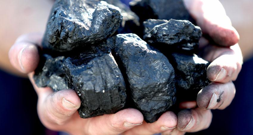 Than đá nhập khẩu, giải pháp hàng đầu cho tình trạng thiếu than nội địa