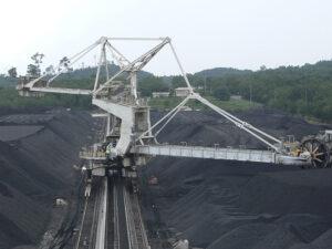 Tro xỉ nhiệt điện nguyên liệu quý để sản xuất vật liệu xây dựng