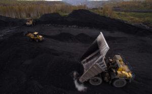 Putin chỉ thị cho FSB trợ giúp xuất khẩu than