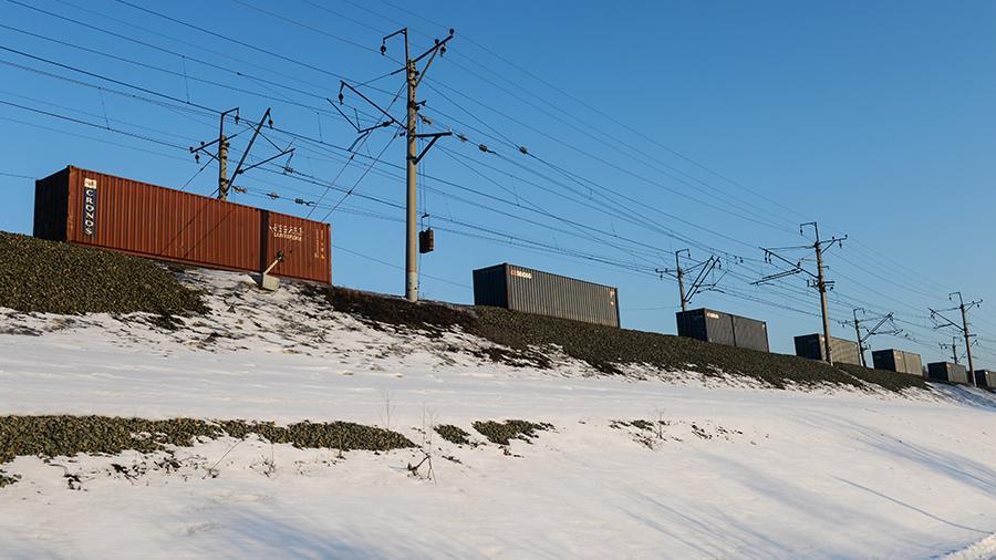 Сhính phủ Nga dự định giảm thời gian vận chuyển container đường sắt từ Khu liên bang Viễn Đông đến phía Tây Liên bang Nga